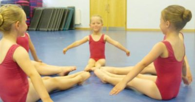 Ballet stretching excercises pointing toes